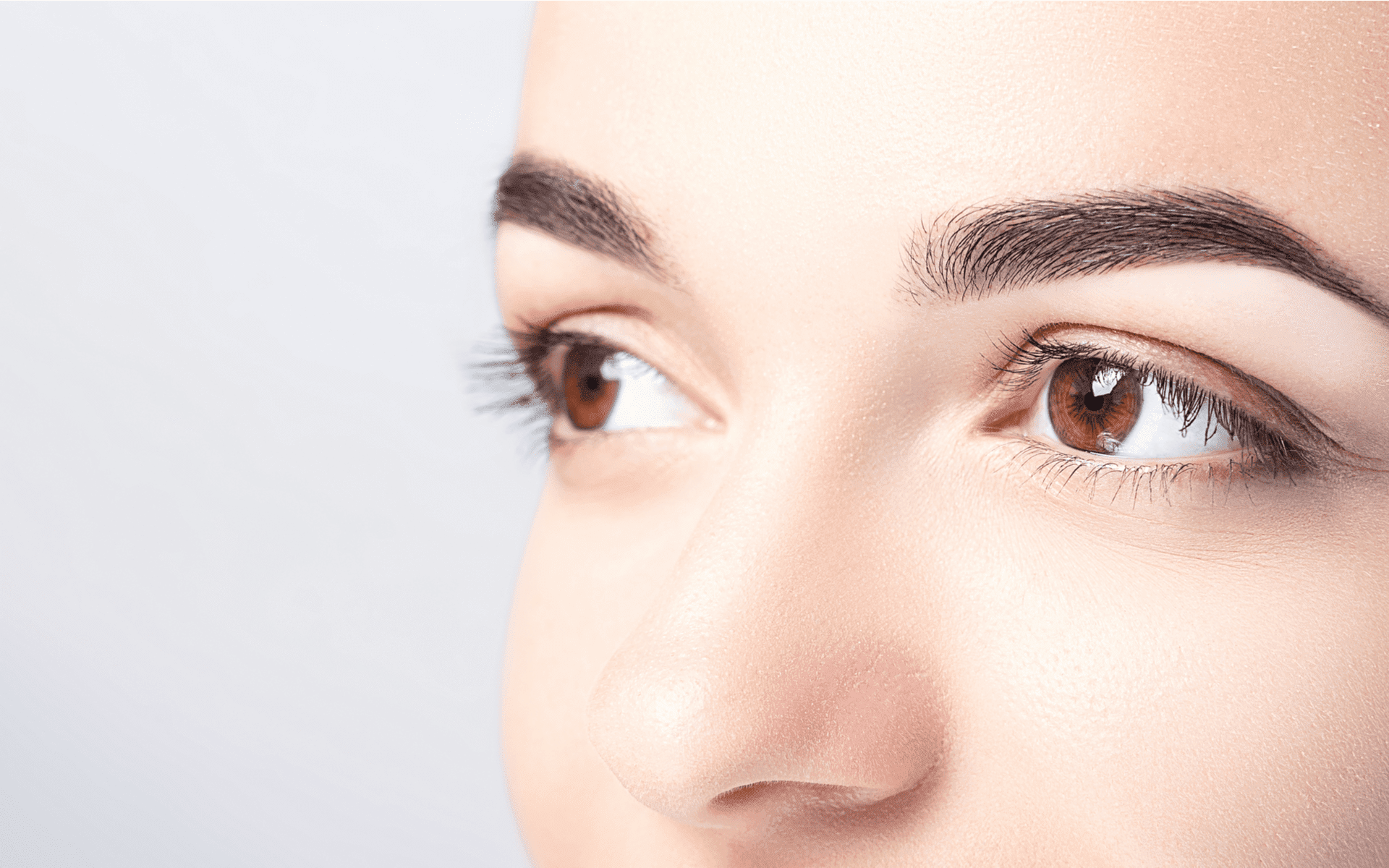 lady with microblading services